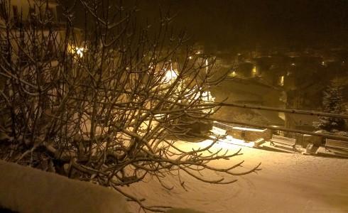 Continua a nevicare copiosamente su molti centri montani del Pollino e della Sila con temperature che si mantengono sotto lo zero. Come da previsioni nevicate abbondanti da […]
