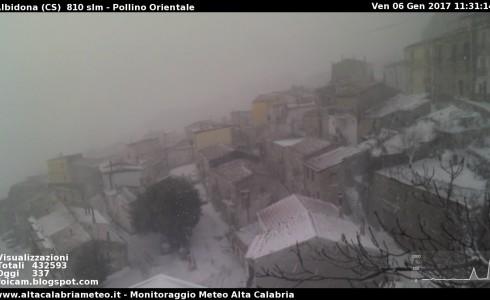 """<div class=""""at-above-post-homepage addthis_tool"""" data-url=""""https://www.altacalabriameteo.it/?p=4872""""></div>Tormente di neve sul Pollino, particolarmente colpito il versante orientale. Situazione difficile tra Albidona (cs) e Alessandria del Carretto (cs) dove è in atto un blizzard con […]<!-- AddThis Advanced Settings above via filter on get_the_excerpt --><!-- AddThis Advanced Settings below via filter on get_the_excerpt --><!-- AddThis Advanced Settings generic via filter on get_the_excerpt --><!-- AddThis Share Buttons above via filter on get_the_excerpt --><!-- AddThis Share Buttons below via filter on get_the_excerpt --><div class=""""at-below-post-homepage addthis_tool"""" data-url=""""https://www.altacalabriameteo.it/?p=4872""""></div><!-- AddThis Share Buttons generic via filter on get_the_excerpt -->"""